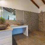 Palmier salle de bains | Villas Ti Créole | Location Vacances Guadeloupe
