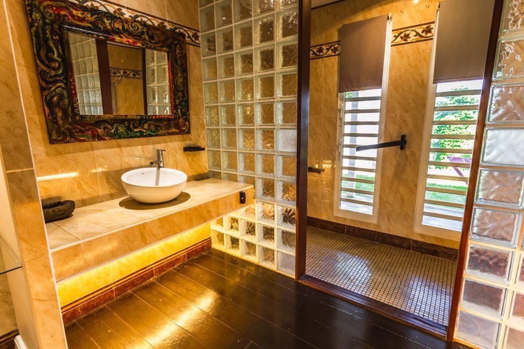 Villa le Plessis salle de bains