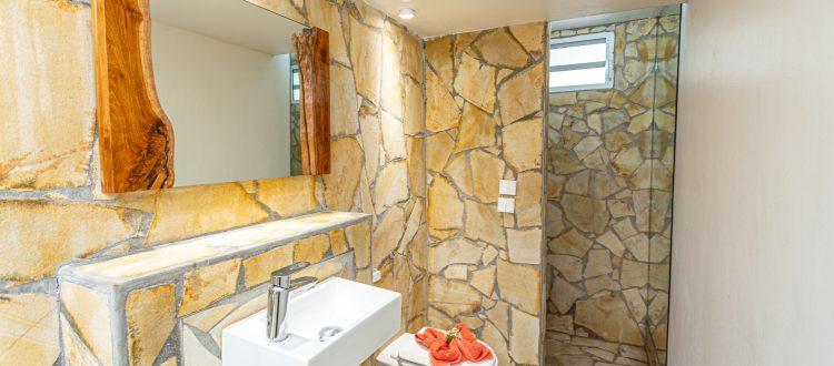 Villa A Ciel Ouvert Salle de bains   Villas Ti Créole   Hébergement Vacances Guadeloupe