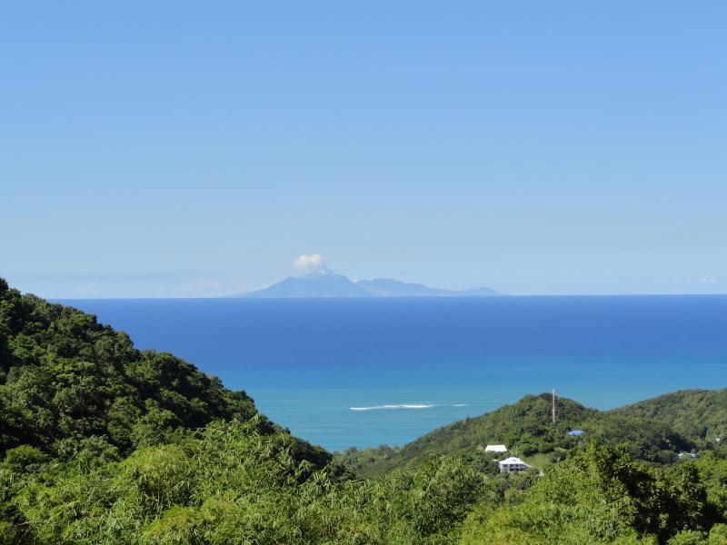 Gite Orchidee Deshaies vue Montserrat