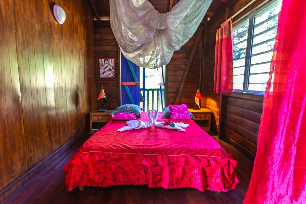 Gite Arbre à Pin chambre Vacances en Guadeloupe